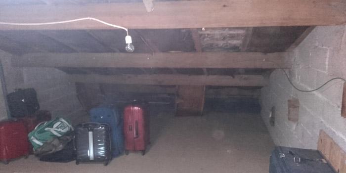 isolation des combles sous rampant brignoles dans le var renovea. Black Bedroom Furniture Sets. Home Design Ideas