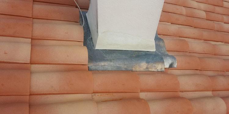 Réfection d'une étanchéité de cheminée en plomb